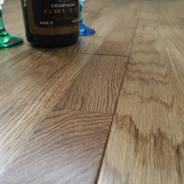 Abbey Movilla Oak Rustic 3 Strip 18mm Lacquered Solid Wood