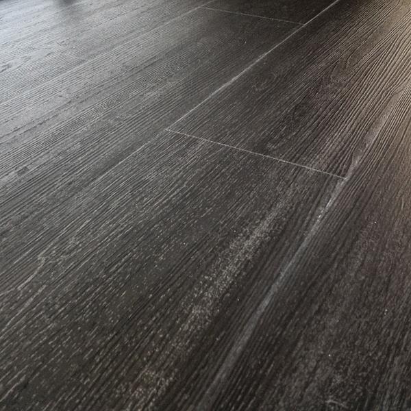 Aqua Plank Professional Casablanca Carbon Oak Click Vinyl