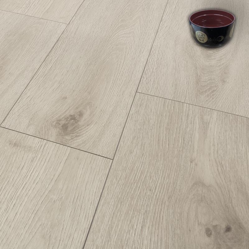 Aquastep plus alpine oak 4v waterproof half plank laminate for Laminate flooring offers
