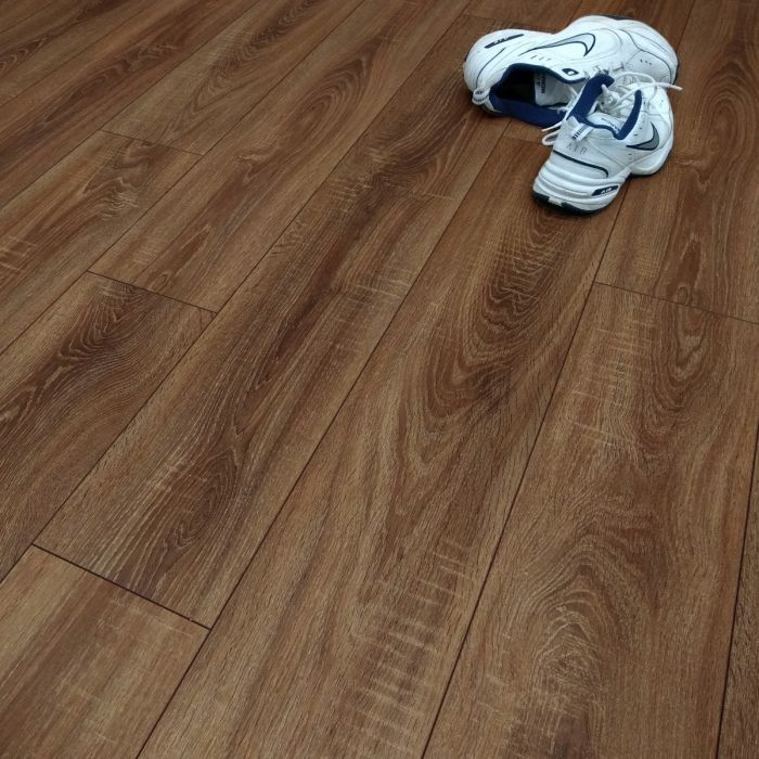 Prestige Toscolano Oak 10mm Laminate Flooring 077