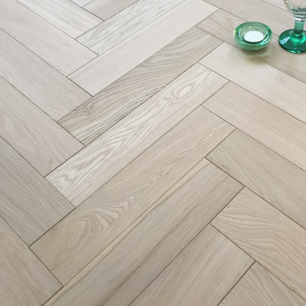 Herringbone Parquet 18mm Unfinished Oak Engineered