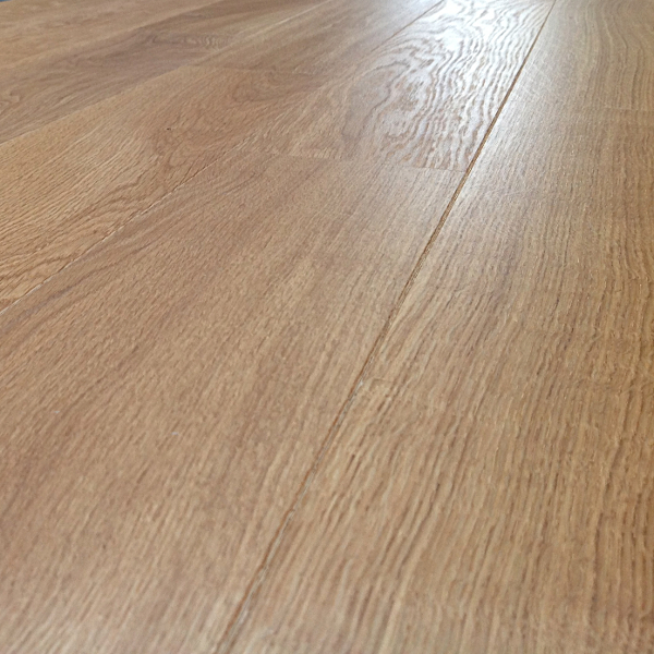 Loire natural oak engineered flooring medium oak floors for Engineered oak flooring