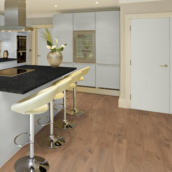 Oak Laminate Flooring Kitchen: Prestige Plus 12mm Verbier Oak Plank AC5 Click Laminate
