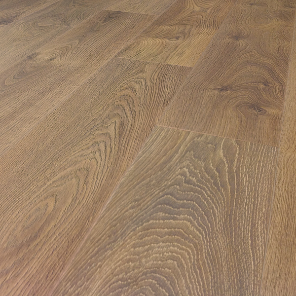 Prestige Plus 12mm Verbier Oak Plank Ac5 Click Laminate