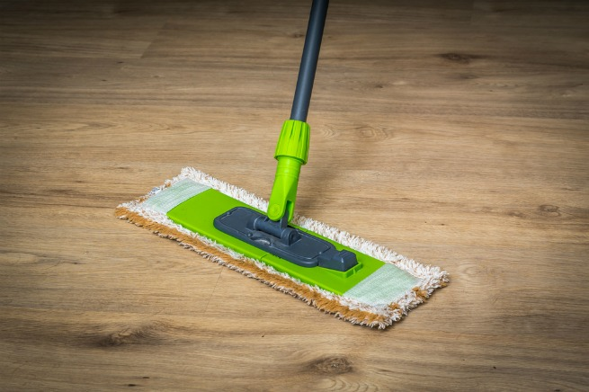 how to clean wood laminate floors without leaving streaks