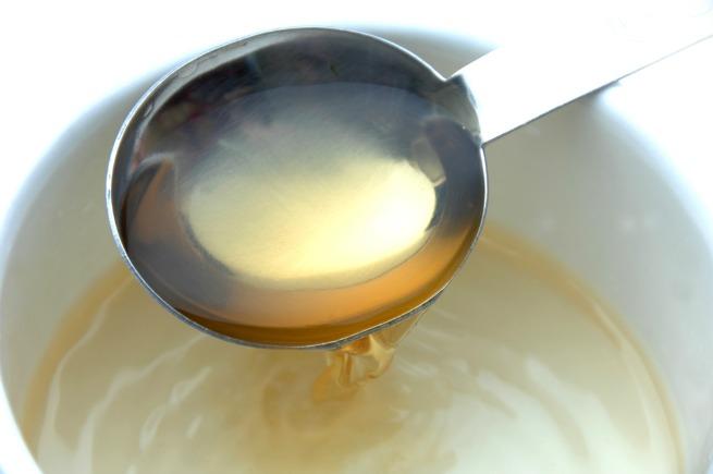 An image of white vinegar