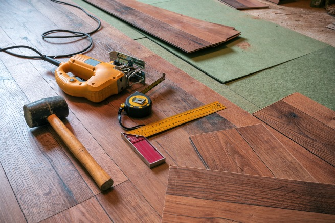 An Image Showing Laminate Flooring Tools