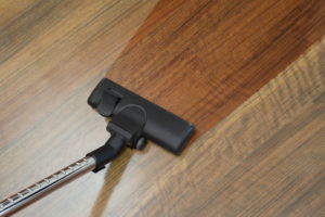 How to hoover a laminate floor