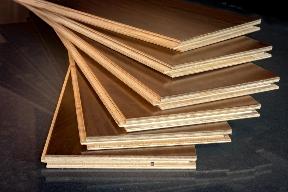Engineered solid wooden floor